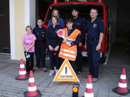 """Feuerwehrjugend Unterwolfsbach erwirbt das Abzeichen """"Feuerwehrsicherheit und Erste Hilfe"""""""